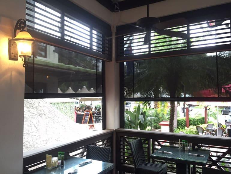 Cafe sun shade blinds southern patio enclosures blog solutioingenieria Gallery